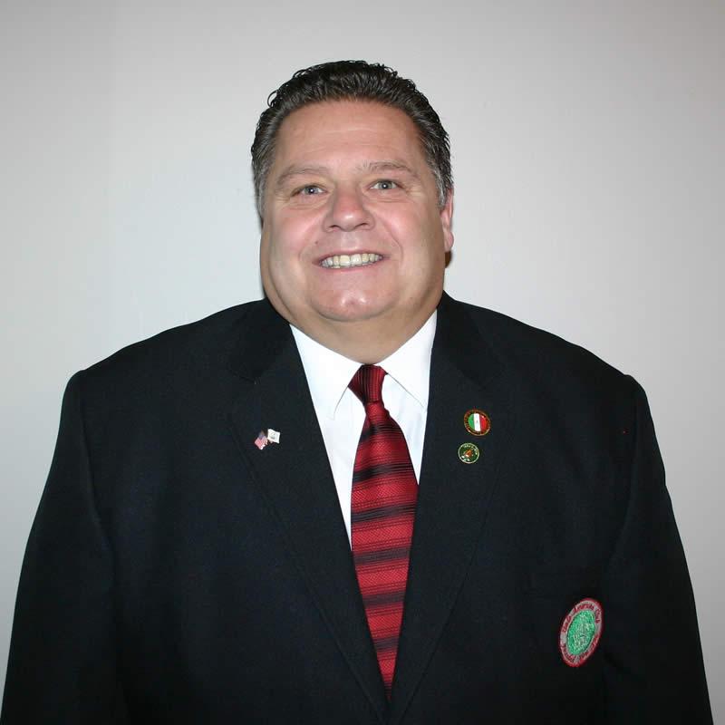 Robert  Villucci